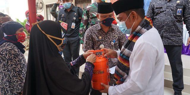 Bupati Bekasi Kunjungi Waga Desa Mangunjaya