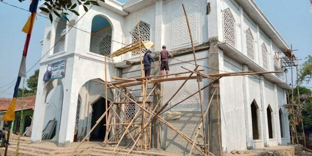 Pembangunan Masjid Al Barkah Cikud Sudah Hampir Rampung
